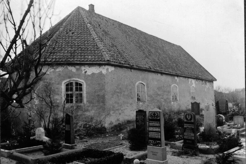 oÖckerö gamla kyrka